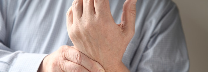 the best chiropractor in Holmen sees patients with carpal tunnel syndrome